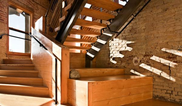 Tri-stair-w