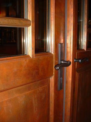 Glacier_door