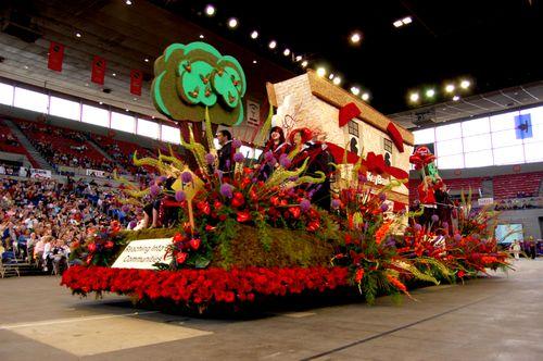 Coliseum & parade 079A