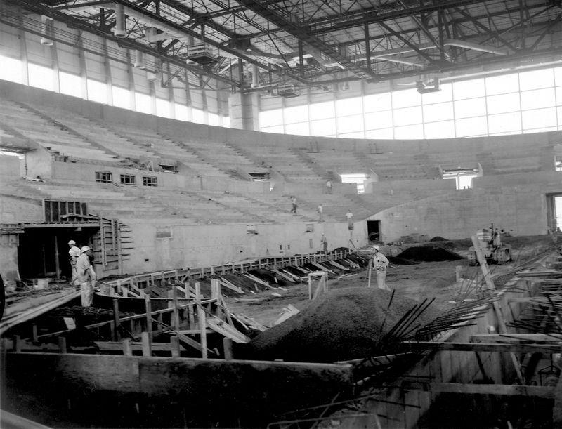 1960_Memorial Coliseum Construction_A2005-005_716.89-2