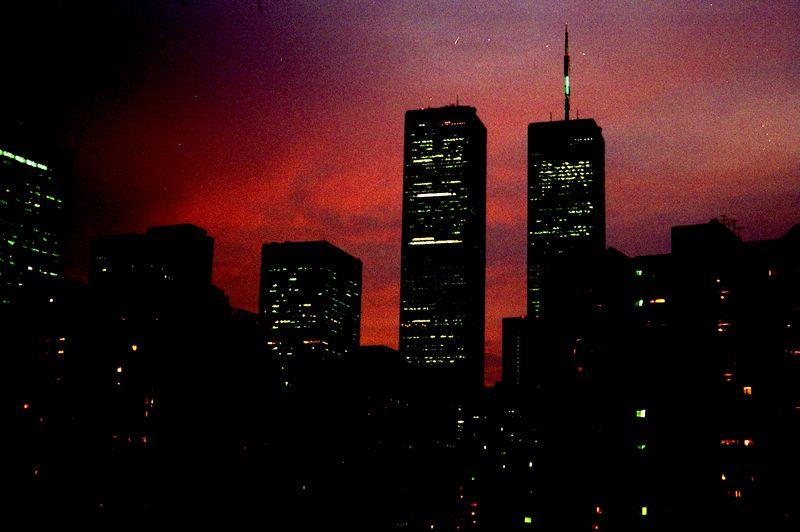 WTC_2001_1200_1A