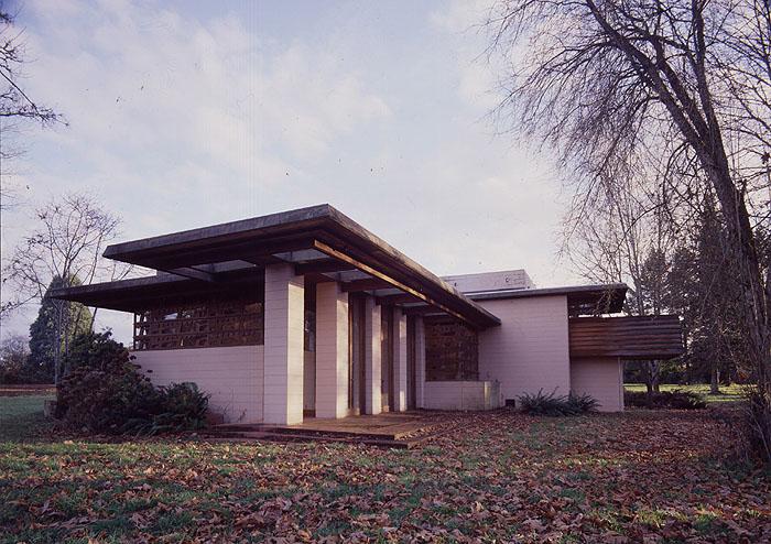 Gordon House NW Exterior