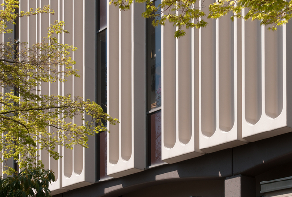 20110422_MCG0179_Vancouver-City-Hall-Edit