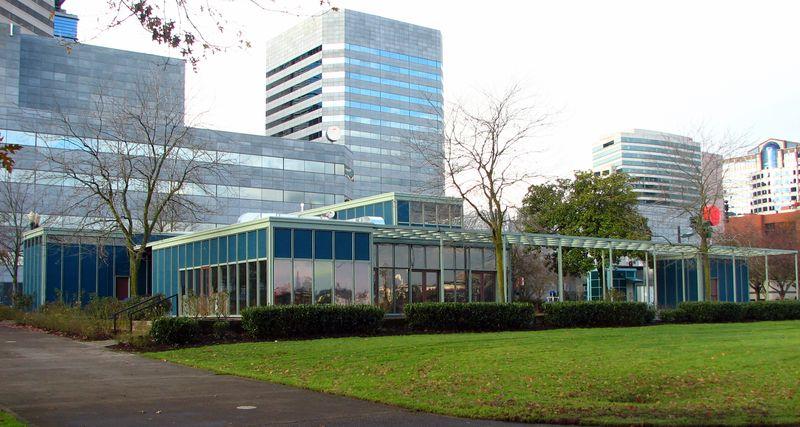 Yeon_Visitors_Information_Center_ground_level_-_Portland_Oregon