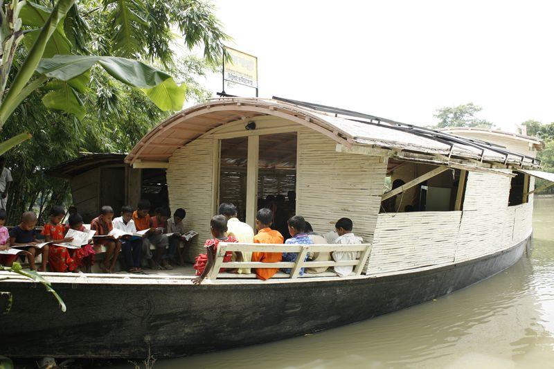 08. Floating_Community_Lifeboats
