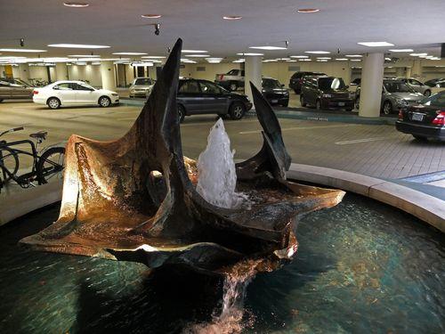 Ada 7 Bank of California fountain