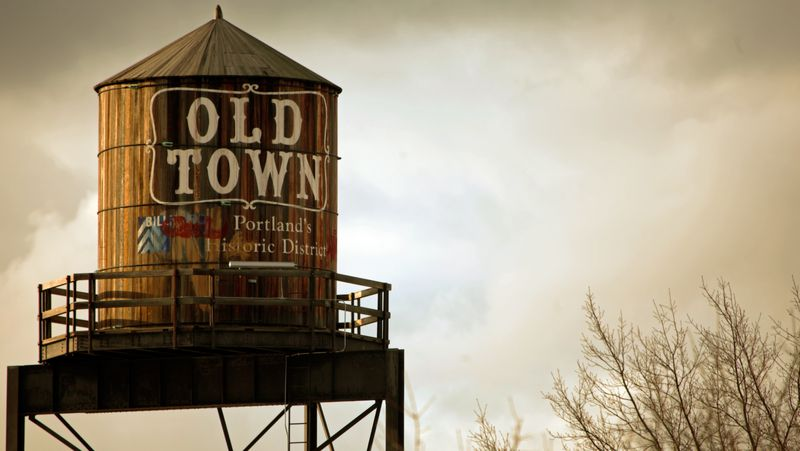 Old_Town_tower,_Portland_Oregon