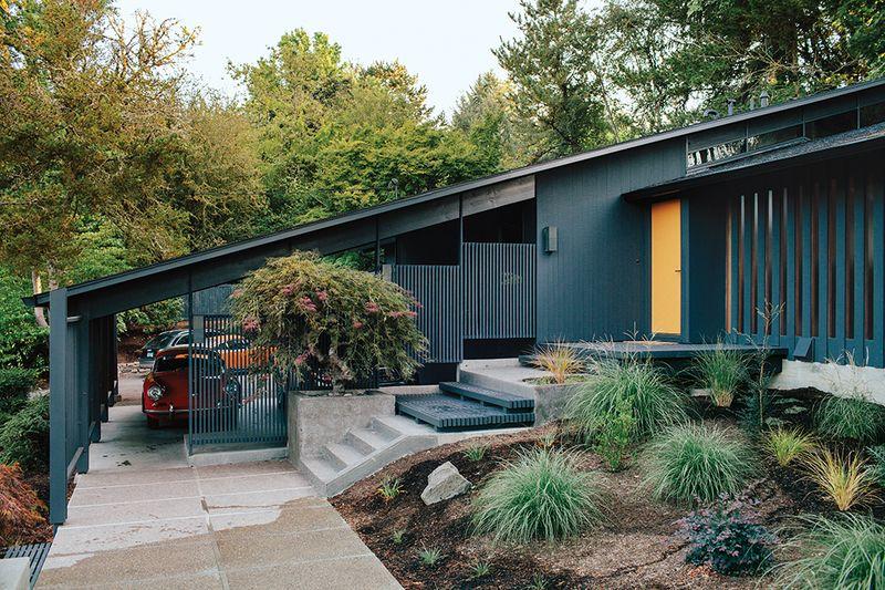Midcentury-renewal-portland-black-exterior-gold-front-door