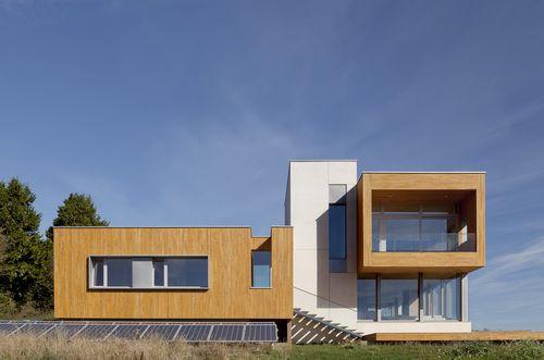 Holst 2013 Karuna House