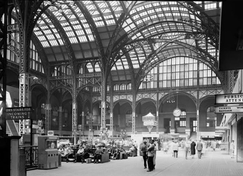 PennStation_HistoricAmerican_Buildings_Survey_Cervin_Robinson_Concourse_from_Southeast.jpg