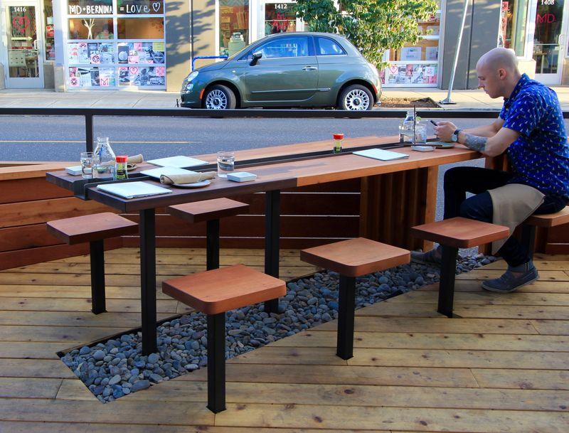 Bamboo Sushi Street Seat (1)