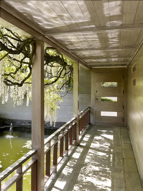 Yeon_Watzek_House_courtyard