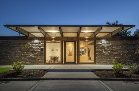 08-exterior-entrance