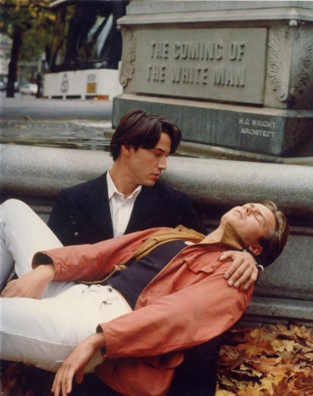 Keanu-reeves-river-phoenix-in-gus-van-sants-my-own-private-idaho-1991